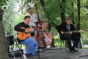 hot-jazz-trio-2